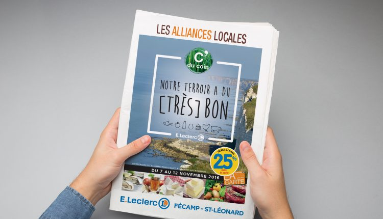 Magazine Les alliances locales tenu en mains